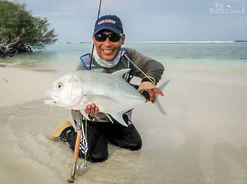 giant trevally on fly