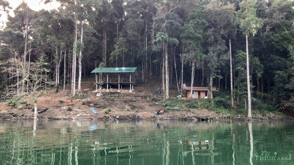Chiew Lan lake Khlong Saeng new raft house accommodation site